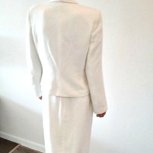 Perry Ellis Skirts - Perry Ellis White 2-Pc Skirt Suit Sz 8